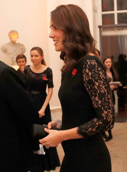 Kate Middleton affiche un joli baby-bump