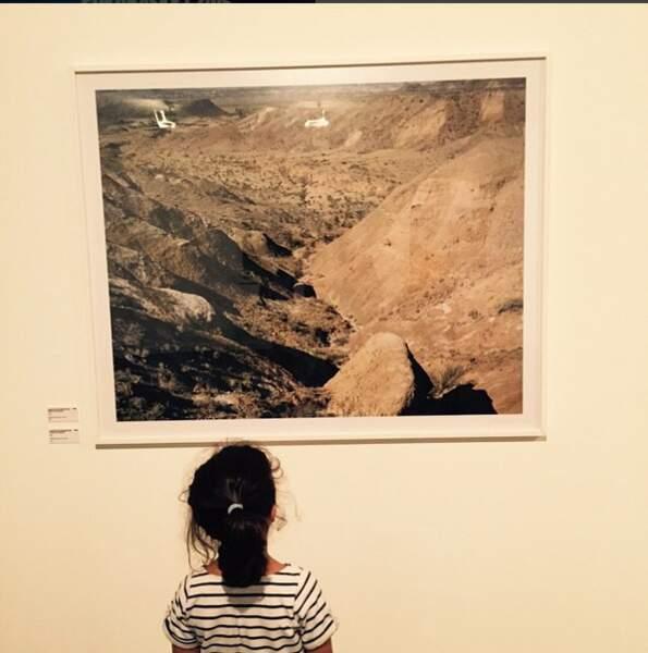 Sortie culturelle pour la fille de Sonia Rolland,  Kahina Lespert. Au programme: expo photo à Arles !