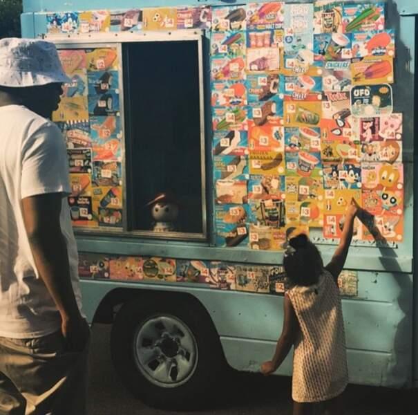 Blue Ivy, la fille de Jay-Z et Beyoncé , est une gourmande : vacances riment avec glace pour la petite fille !