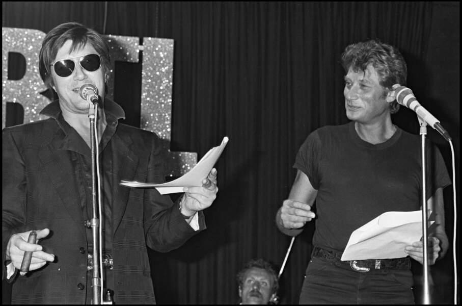 """Jacques Dutronc et Johnny Hallyday en duo dans l'émission"""" Rock'n'Roll Circus"""" sur RTL en 1984"""