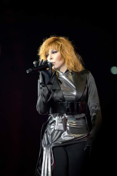 Mylène Farmer va enchaîner 9 concerts et chanter devant plus de 235 000 spectateurs au total
