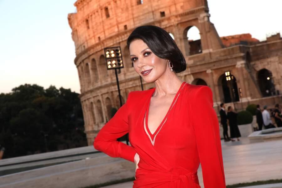Catherine Zeta Jones a aussi pris la pose avant la soirée Fendi à Rome en hommage à Karl Lagerfeld.