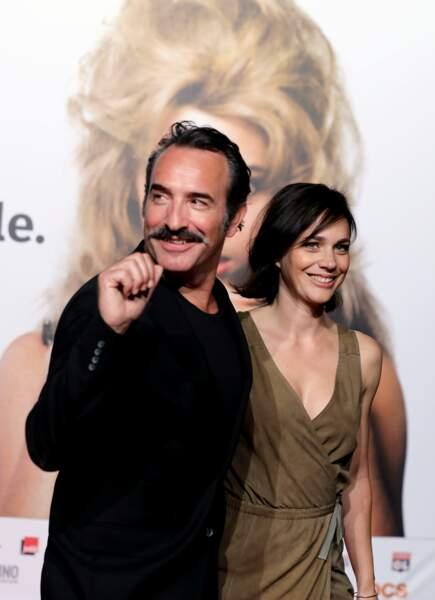 Jean Dujardin et sa moustache et sa femme Nathalie Péchalat