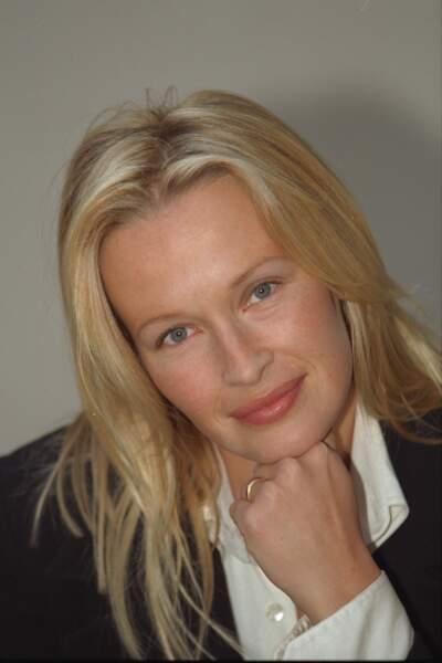 1997 Une blondeur candide qui s'engage avec Cartier pour aider les enfants