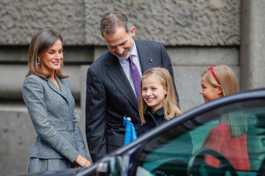 Leonor pour son 13e anniversaire, ici avec le roi Felipe VI, Letizia Ortiz et leurs filles et sa soeur Sofia