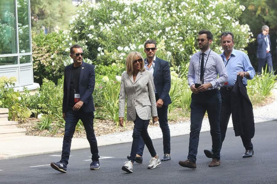 Brigitte Macron ouvre la marche