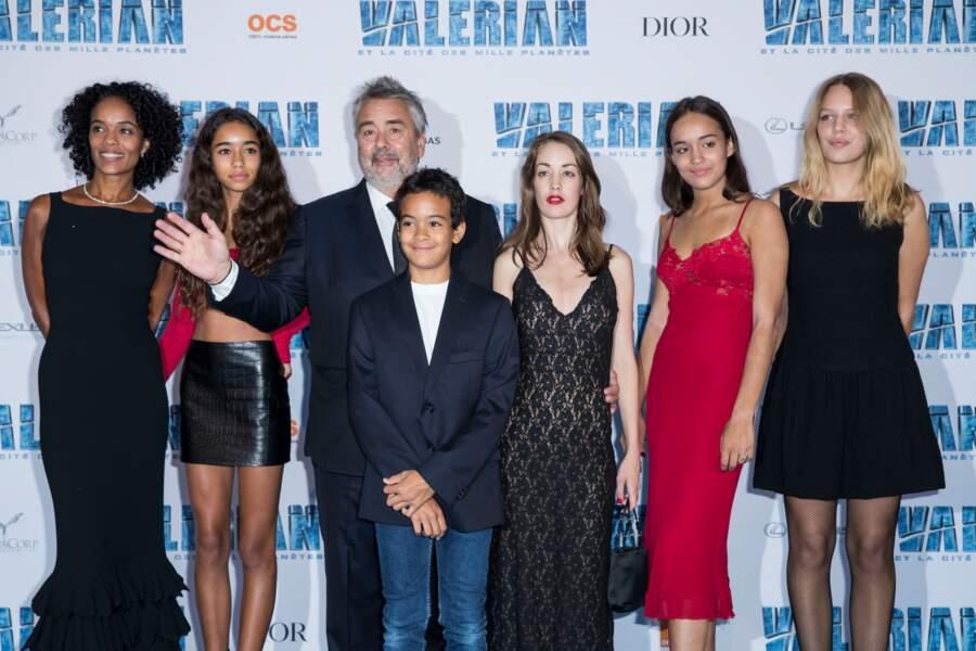 La famille au grand complet était réunie pour le tapis rouge de Valerian à Paris