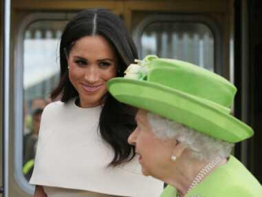 Photos - Meghan Markle radieuse en robe Givenchy pour sa première visite avec la Reine