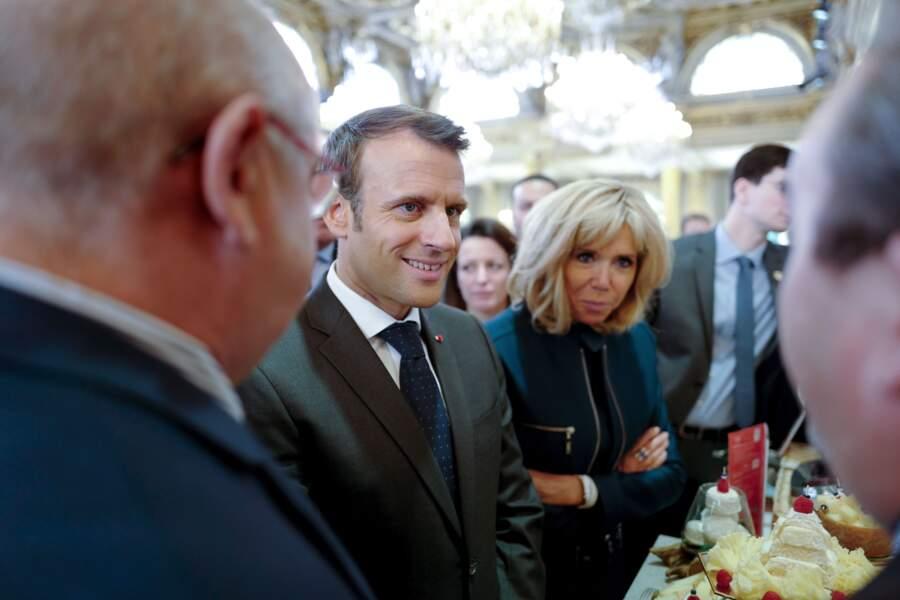 Brigitte et Emmanuel Macron ont reçu les métiers de bouche au palais de l'Élysée ce 1er mai