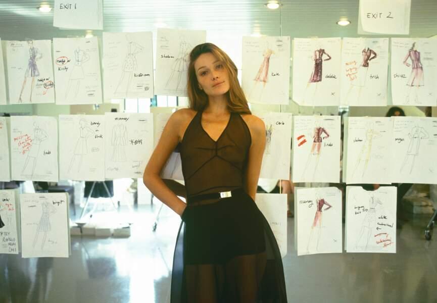 Pour un essayage dans les ateliers Prada, en 1994