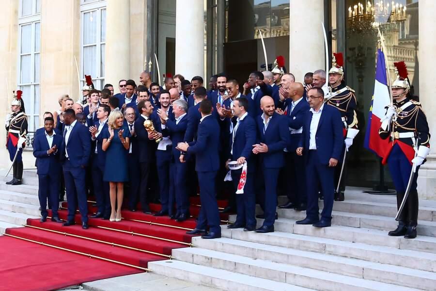 L'Equipe de France au complet invité par le couple Macron à l'Elysée.