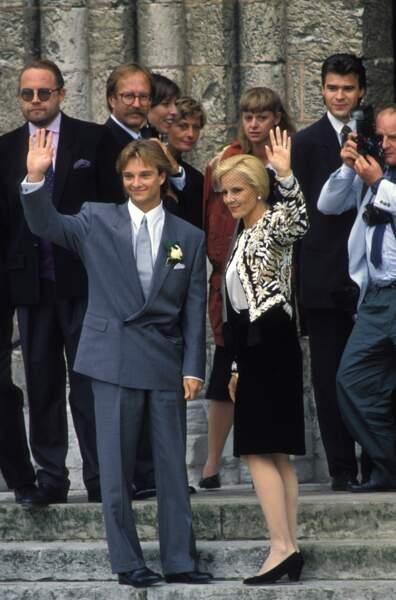 Sylvie Vartan au mariage de son fils David Hallyday avec Estelle Lefebure en 1989