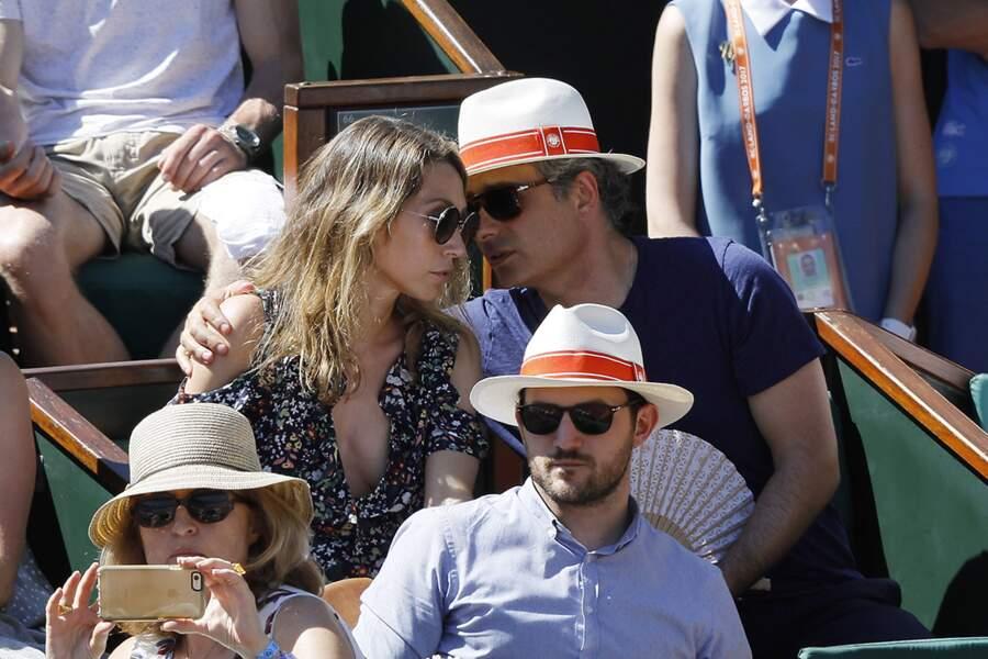 Laura Smet et son compagnon étaient très complices à Roland-Garros.