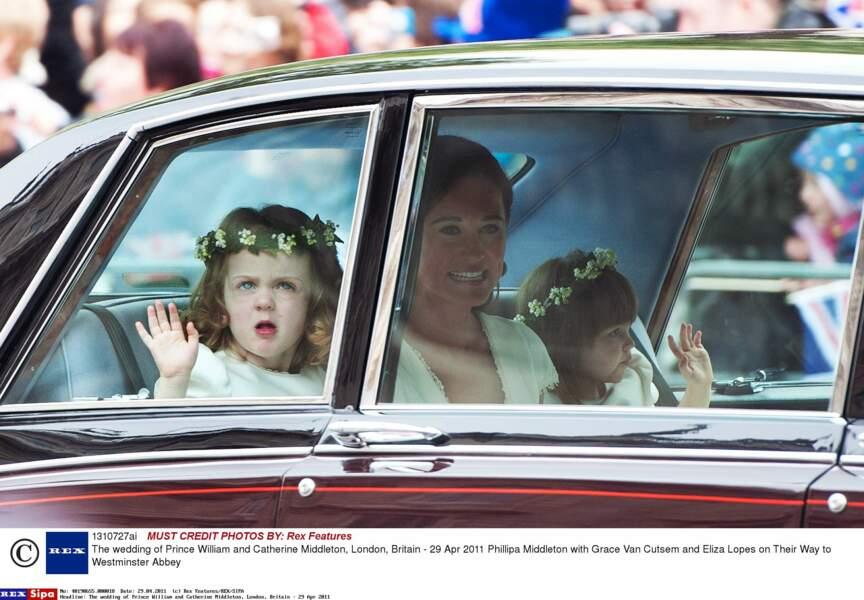 Pippa Middleton, entourée de Grace Van Cutsem et Eliza Lopes, au mariage de Kate et William