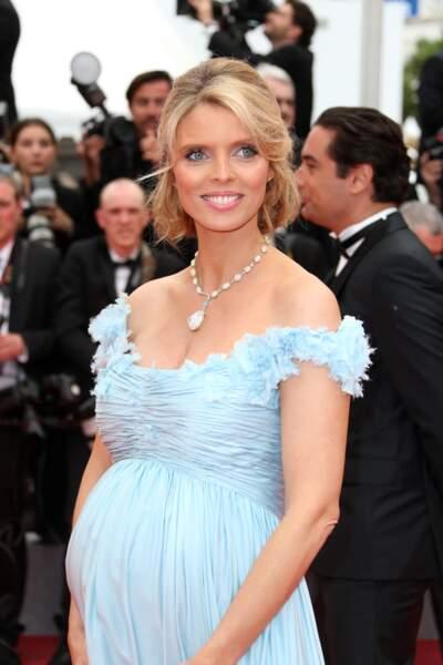 Sylvie Tellier, rayonnante à Cannes
