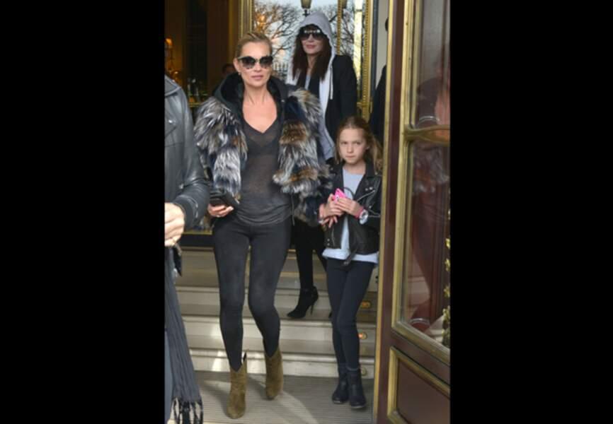 Kate Moss et Lila Grace avant le show Vuitton