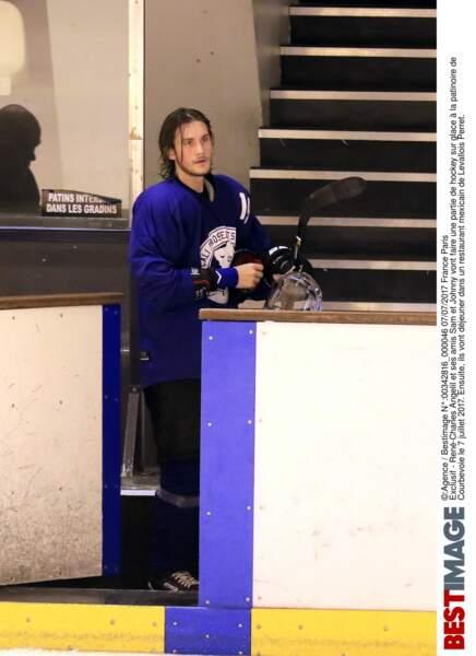 René-Charles Angelil lors d'un match de hockey avec ses amis à la patinoire de Courbevoie le 7 juillet 2017