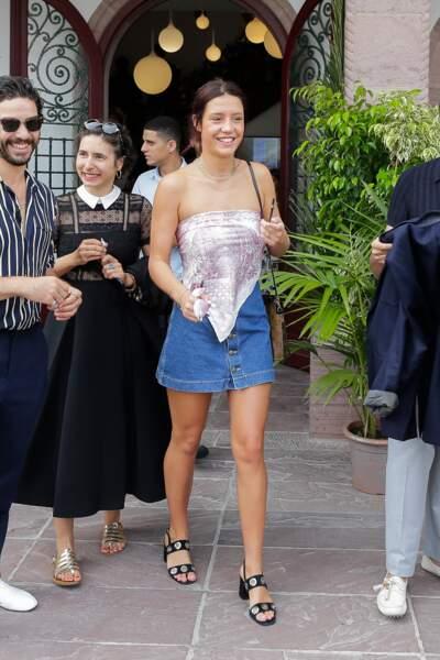 Grande amie de la mariée, Adèle Exarchopoulos a assisté à la cérémonie en tenue décontractée chic