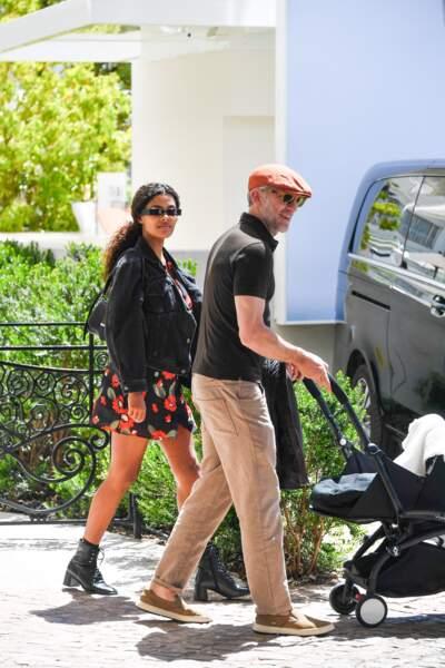Tina Kunakey et Vincent Cassel se sont accordés une pause familiale en promenant leur fille Amazonie