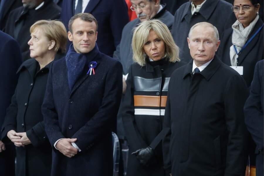 Brigitte Macron dans un manteau signé Louis Vuitton qui coûte plus de 3 000 € fait le buzz