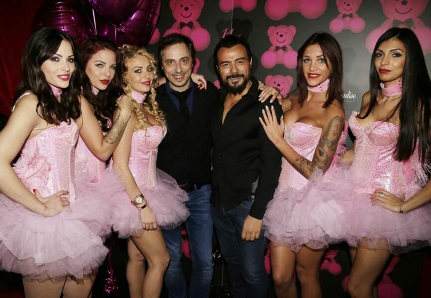 Jerôme de Verdière, Muratt Atik et les danseuses du Pink Paradise