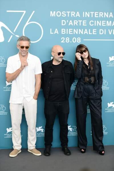Vincent Cassel avait opté pour un total look blanc, tandis que Monica Bellucci préférait un total look noir