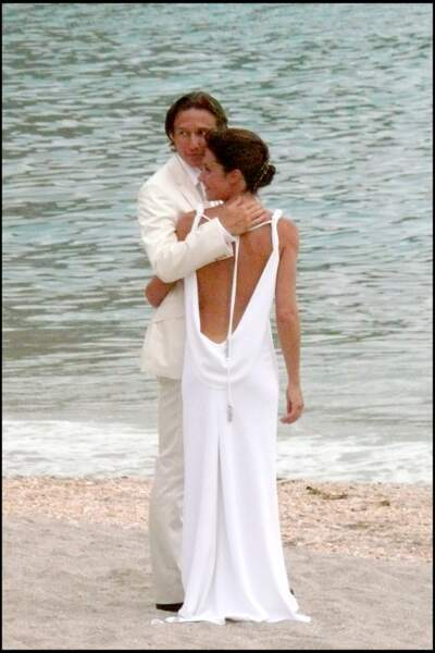 Alessandra Sublet arborait une magnifique robe blanche et dos nu lors de la cérémonie religieuse