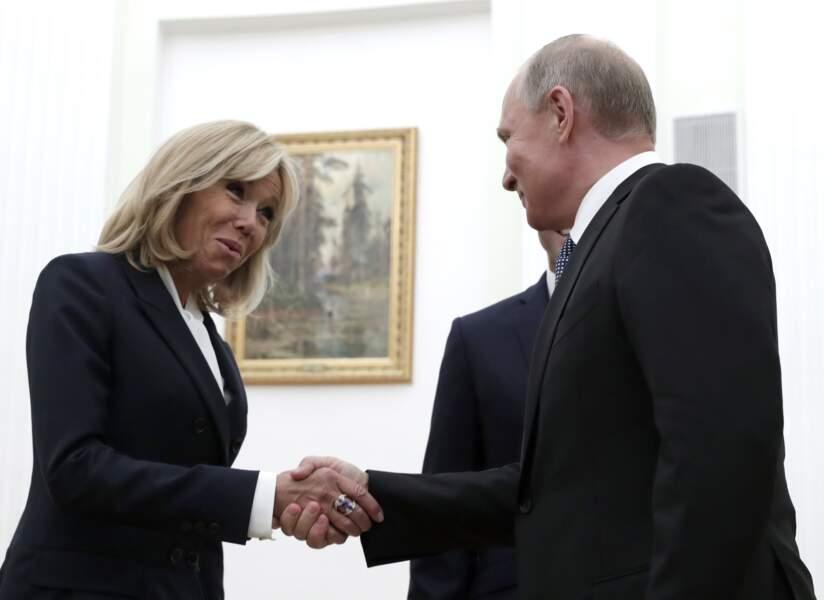 Vladimir Poutine sous le charme de Brigitte Macron, à Moscou, le 15 juillet 2018