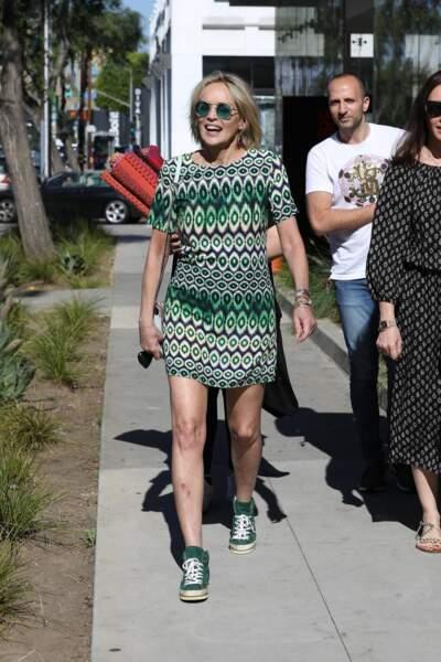 Sharon Stone a profité de son temps libre pour faire du shopping dans le quartier de West Hollywood