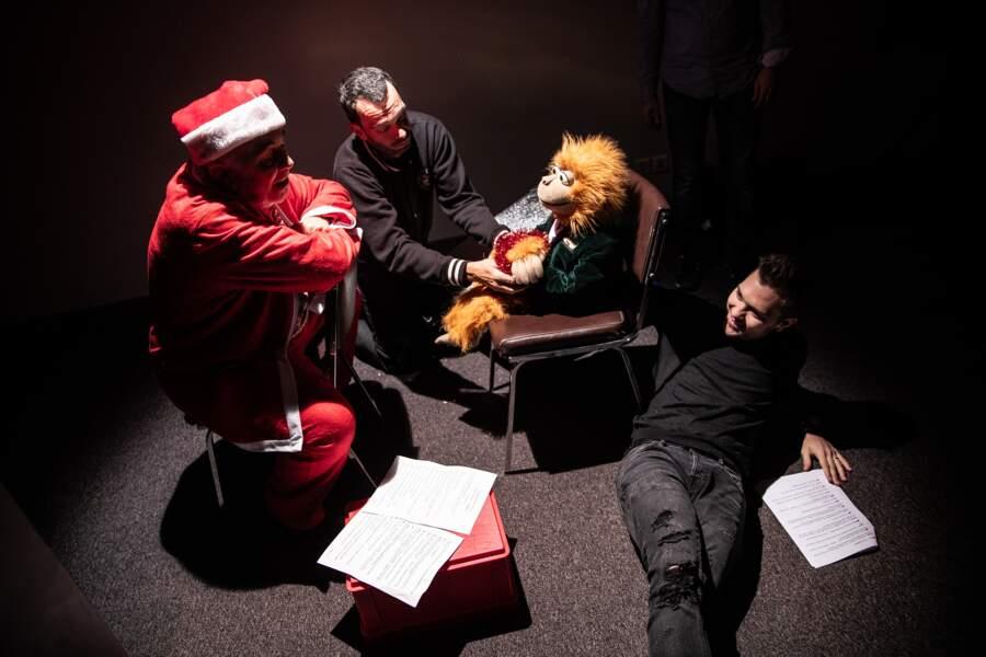 Jean-Marc, Jeff Panacloc, et Gérard Jugnot dans le rôle du Père Noël.