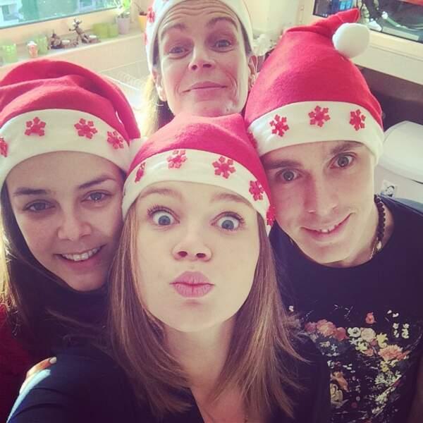 Stéphanie et ses trois enfants Louis, Pauline et Camille réunis pour les fêtes de Noël en décembre 2014
