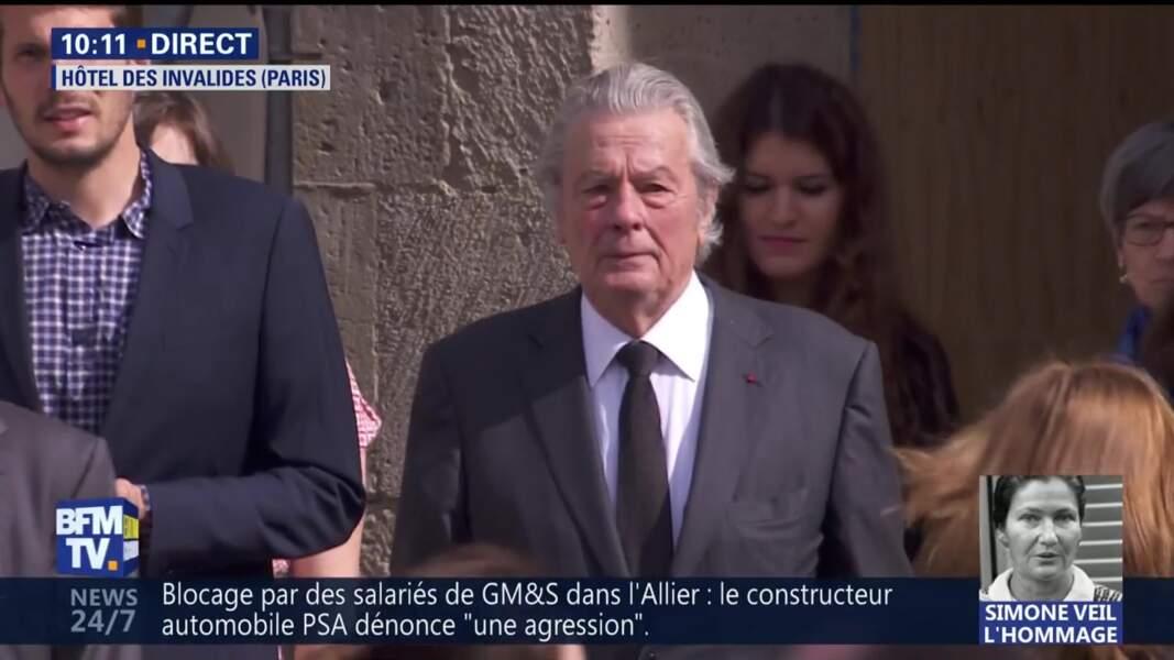 Obsèques de Simone Veil : Alain Delon aux Invalides