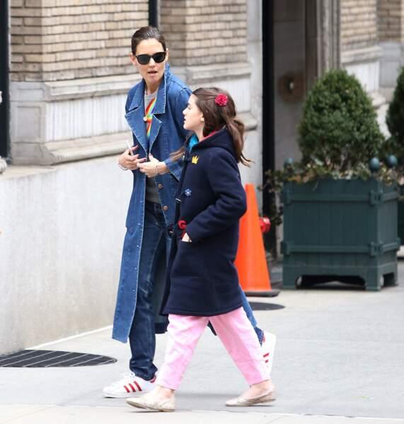 L'actrice se serait engagée par contrat à ne pas dire du mal de Tom Cruise pour obtenir la garde exclusive de Suri