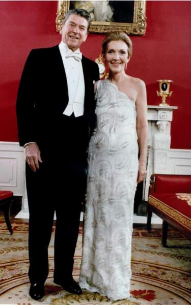 1981 : Nancy Reagan en robe asymétrique James Galanos