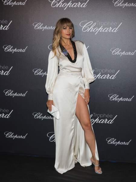 La top model Petra Nemcova, immaculée, fendue et décolletée, à l'occasion du festival de Cannes 2018.