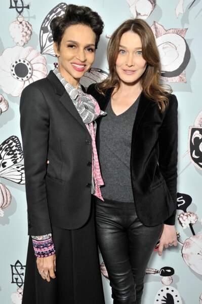 Farida Khelfa et Carla Bruni-Sarkozy  lors de la Fashion Week à Paris en 2016