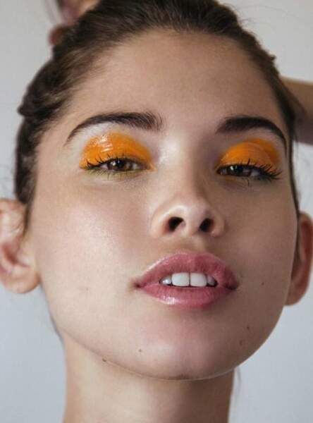 Les yeux glossy orange fluo