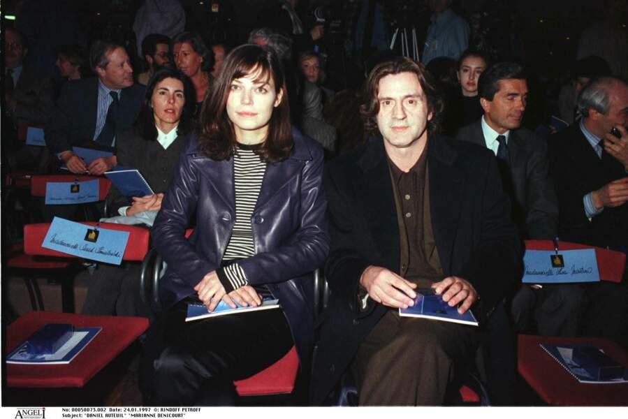 Daniel Auteuil et Marianne Denicourt à un salon