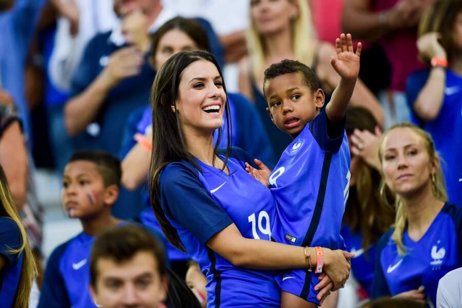 Ludivine Sagna et son fils Kais lors du match France - Allemagne de l'Euro 2016