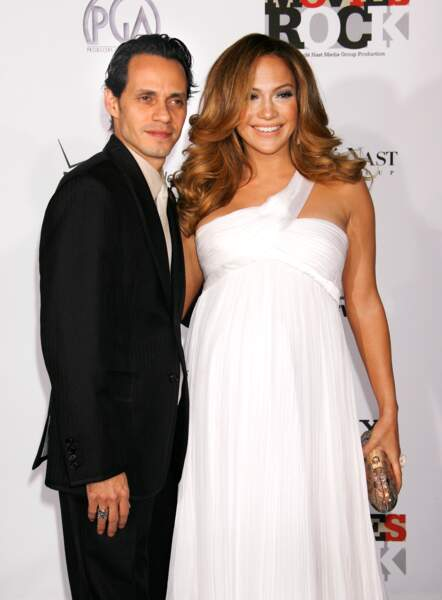 Jennifer Lopez enceinte de ses jumeaux et sublime en décembre 2007