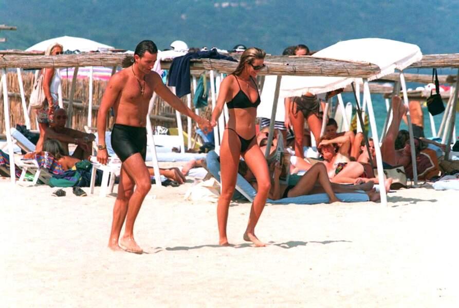 """Quand Elle MacPherson débarque à Saint Tropez, la rumeur murmure """"The Body"""""""