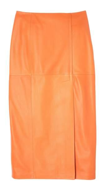 Crayon, jupe en cuir orange, 1590 € (Mac Douglas).