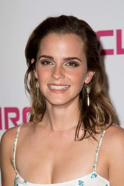 Emma Watson : un make-up chic et bonne mine à l'UGC Normandie pour la première de son film The Circle