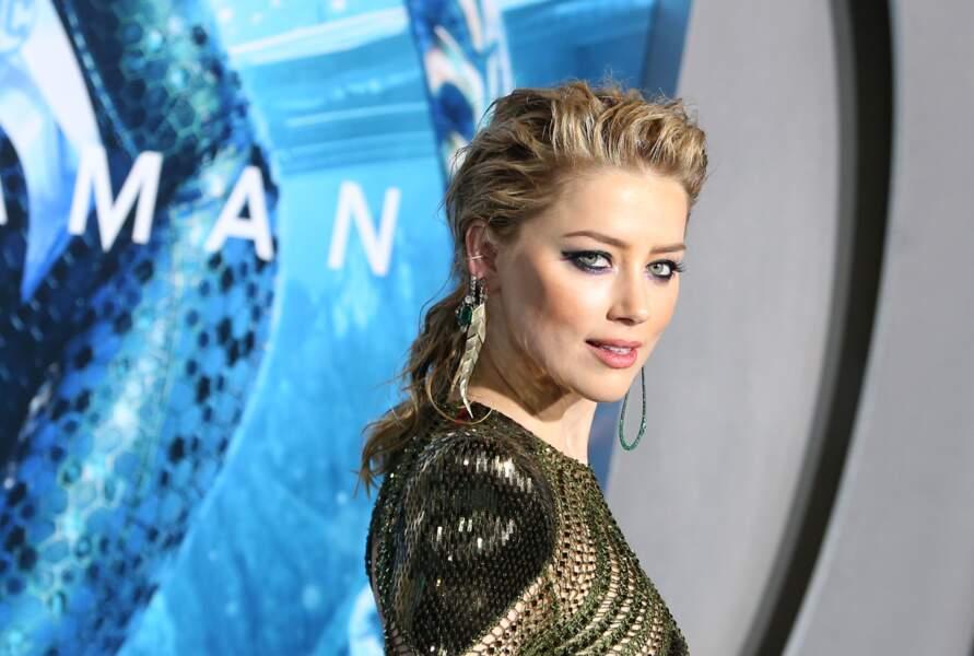 """Amber Heard a retrouvé son blond vénitien après un rouge """"Ariel la petite sirène"""" pas très flatteurs dans """"Aquaman"""""""