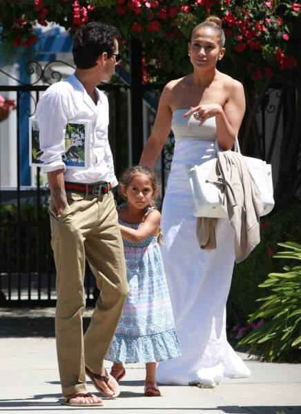 Jennifer Lopez et son ex mari Marc Anthony vont chercher leur fille Emme a l'ecole a Los Angeles, le 19 juin 2013