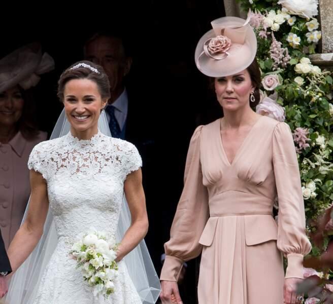 Pippa mariée radieuse aux côtés de sa grande sœur Kate