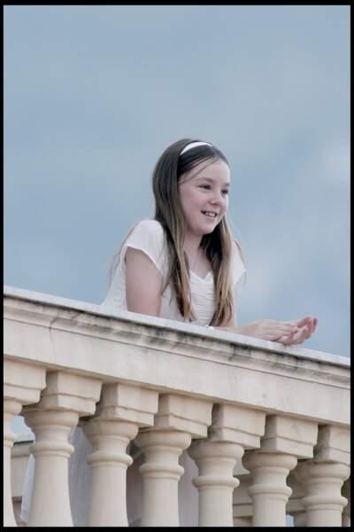 Alexandra de Hanovre, souriante au balcon du palais princier monégasque le 23 juin 2010