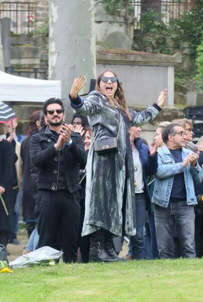 Izïa Higelin et son compagnon Bastien Burger aux obsèques de Jacques Higelin