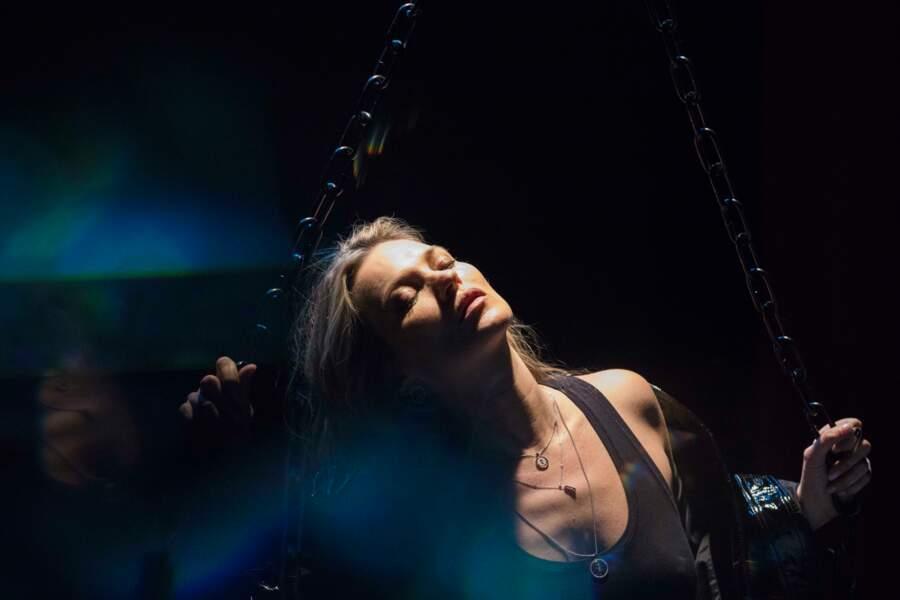 La campagne Messika avec Kate Moss a été immortalisée par Mert & Marcus à Londres.