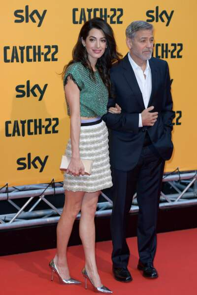 Amal Clooney ravissante dans un total look Giambattista Valli printemps/été 2018